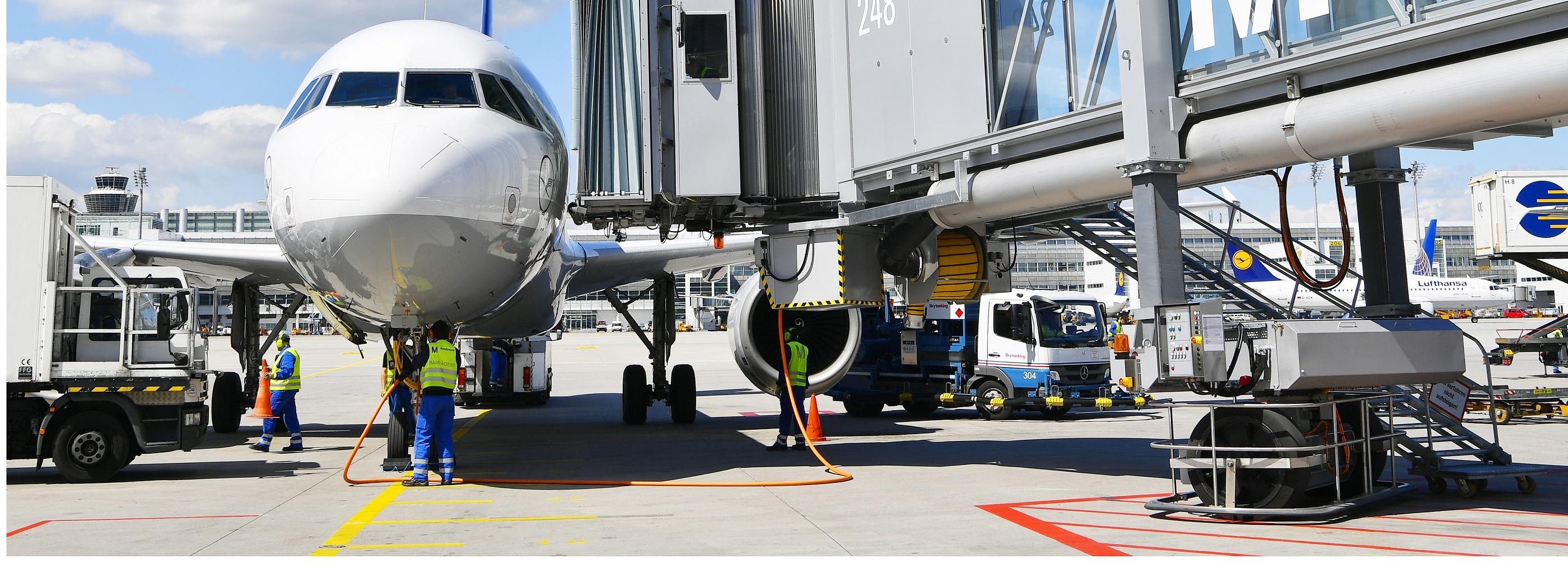 Parkendes Flugzeug am Flughafen München